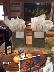 Welcome bags and handwritten notes greeted us in our cabin.